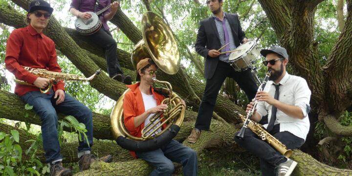 18h Oktaba Paradise Band